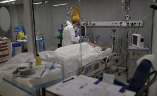 Suceava: Spitalul Judeţean şi spitalul din Rădăuţi nu mai au paturi libere la ATI pentru bolnavii COVID-19